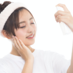 化粧水でひらいた毛穴を引き締める!化粧水と美容液の口コミまとめ